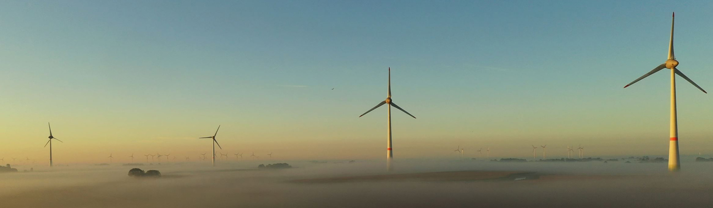 Drohnenaufnahme - Windkraftanlagen